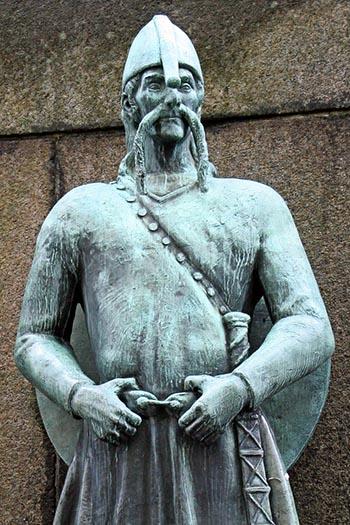 Estátua Viking em Bergen na Noruega